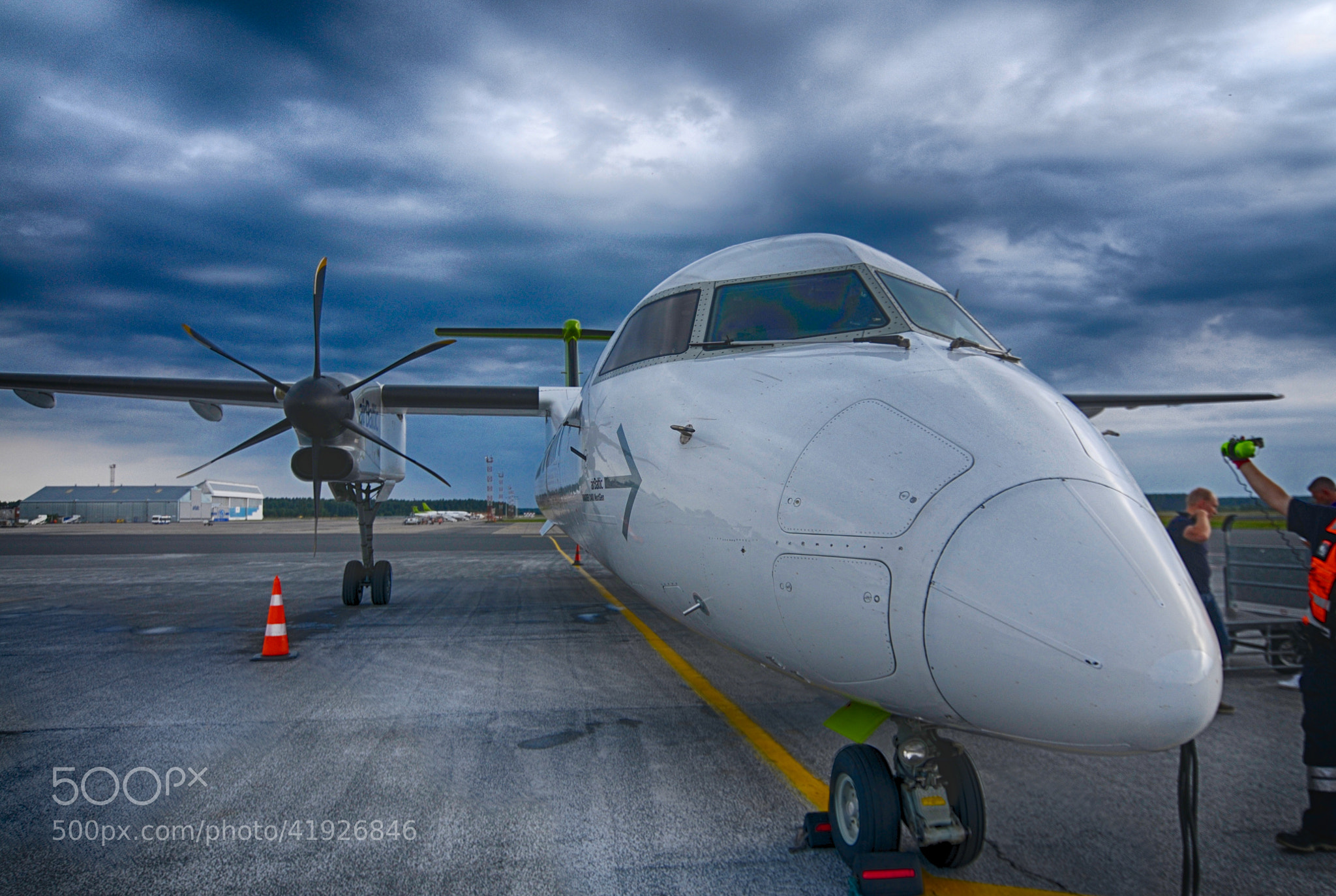 Photograph Bombardier Dash 8 by Anssi Piirainen on 500px