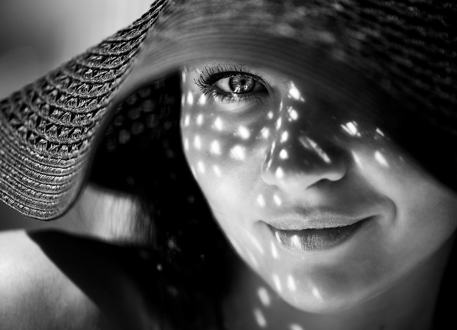 Black and white portraits - Photograph Kisses of sun by Valeriya Tikhonova on 500px