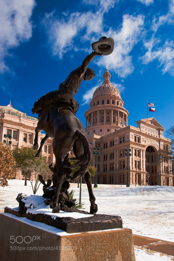 A rare snow storm hits the Texas Capitol