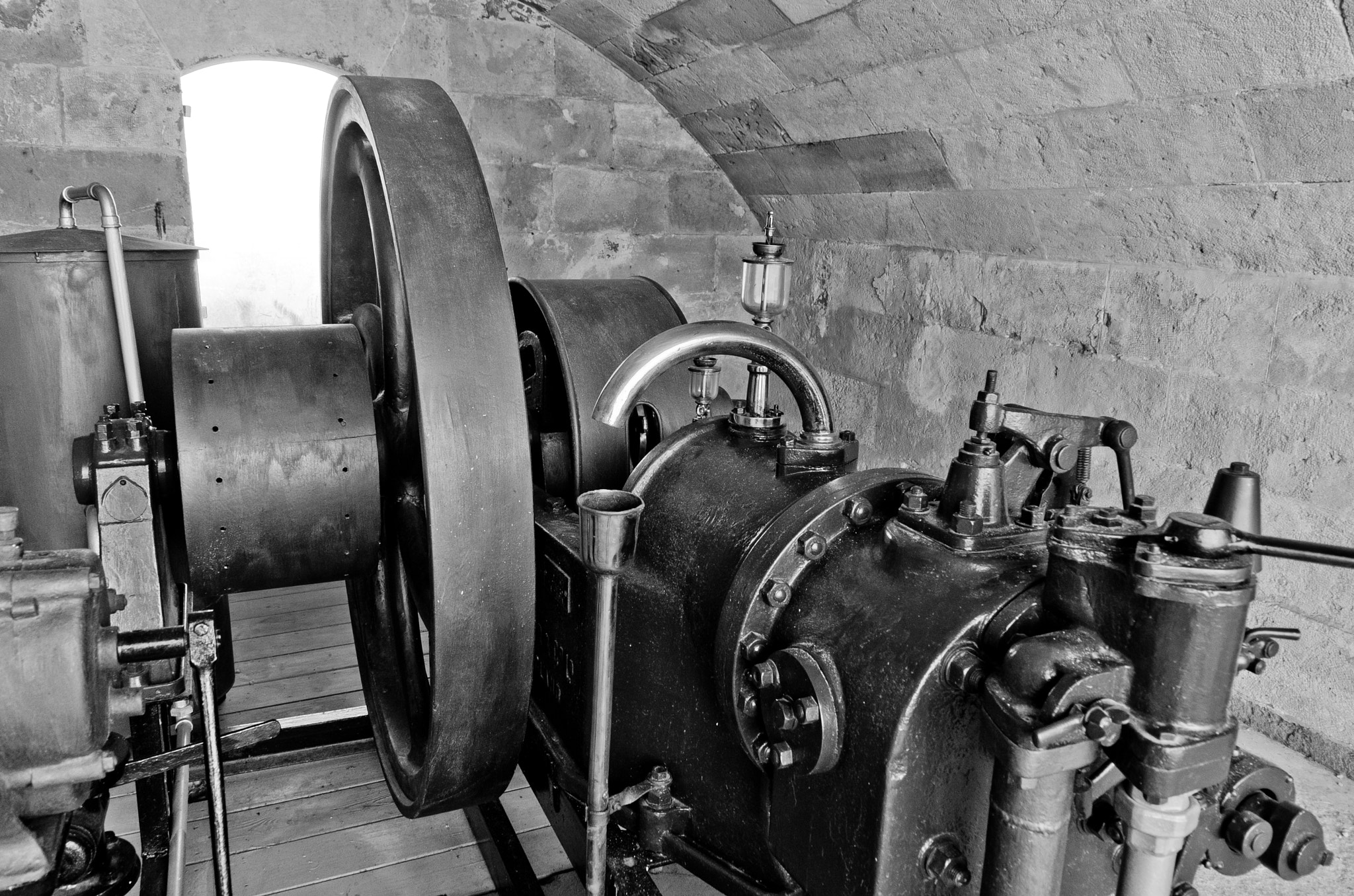 Photograph Old machine by Christian Olivares on 500px