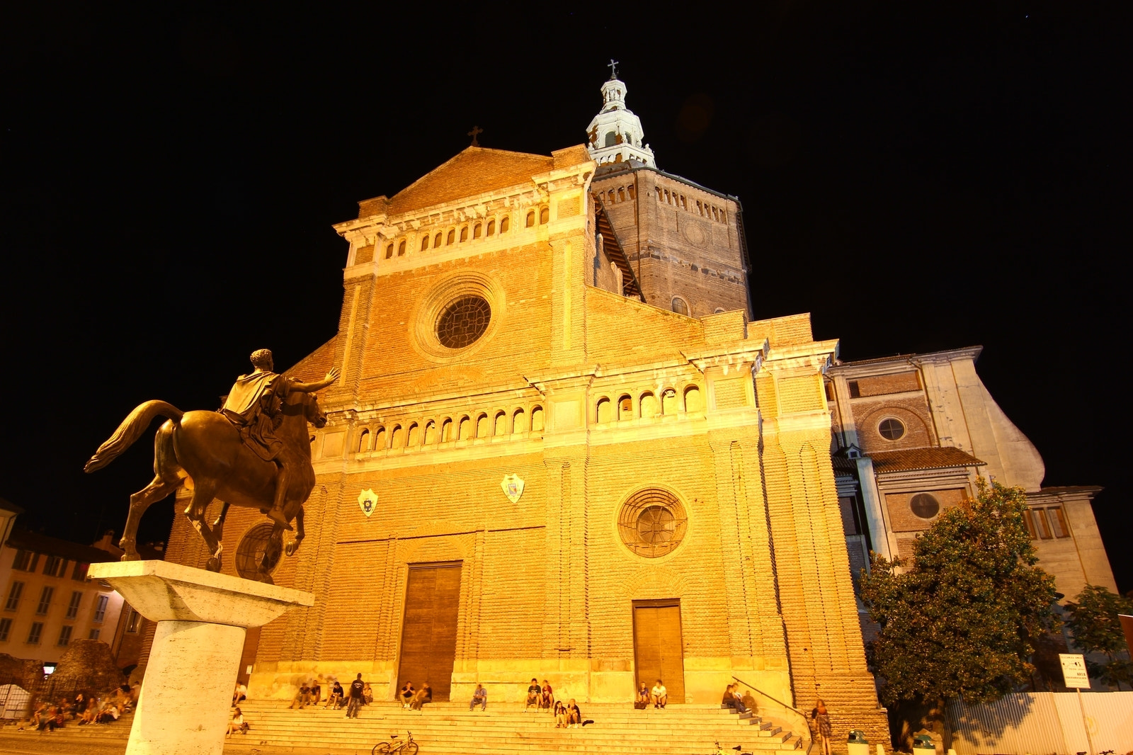 Photograph The Duomo , Pavia , by night by Andrei Fried on 500px