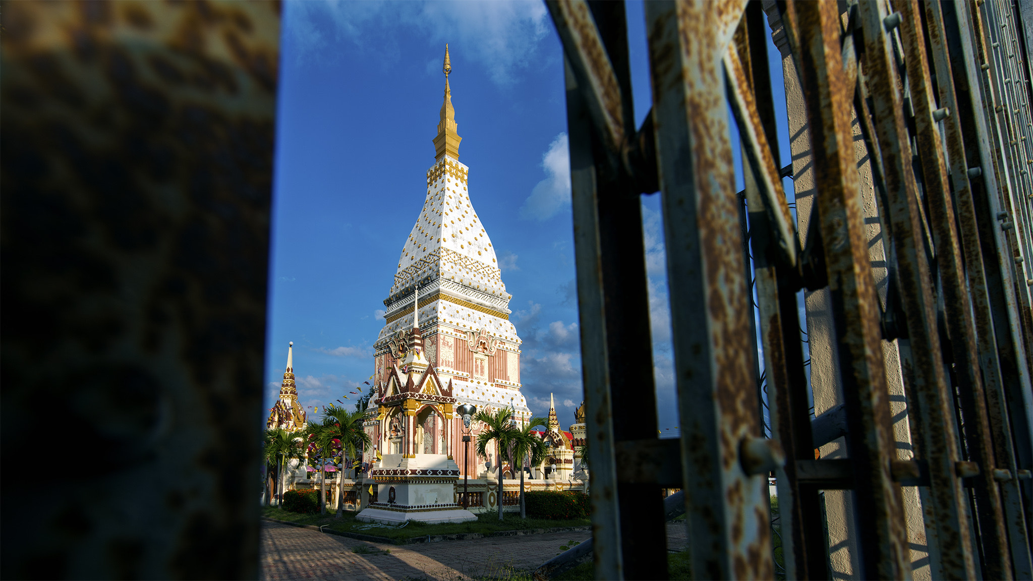 Photograph WAT Phra That Renu by Teerawat Sittirach on 500px