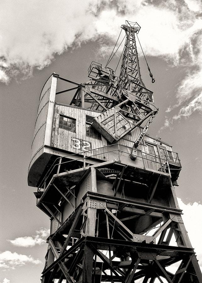 Crane 32