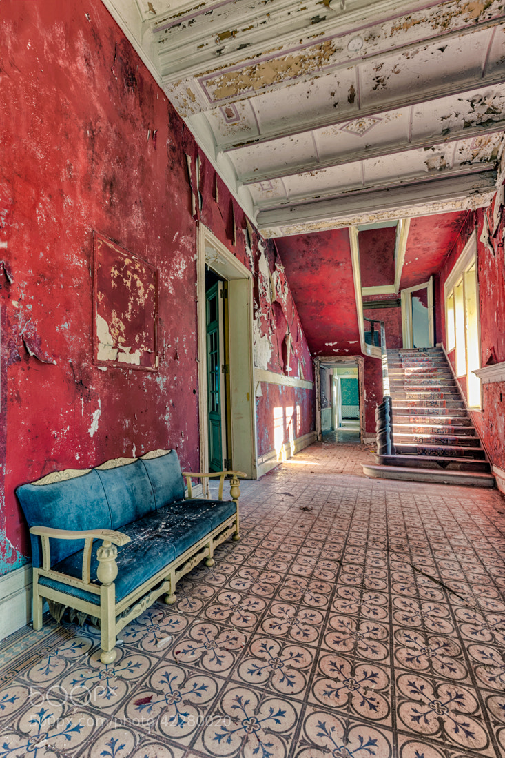 Photograph red room by Christian Richter on 500px