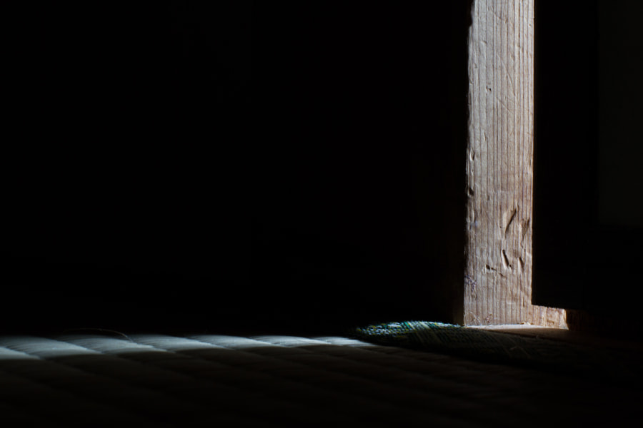 Tatami and wood (畳と木材) by Andrea Mocci on 500px.com