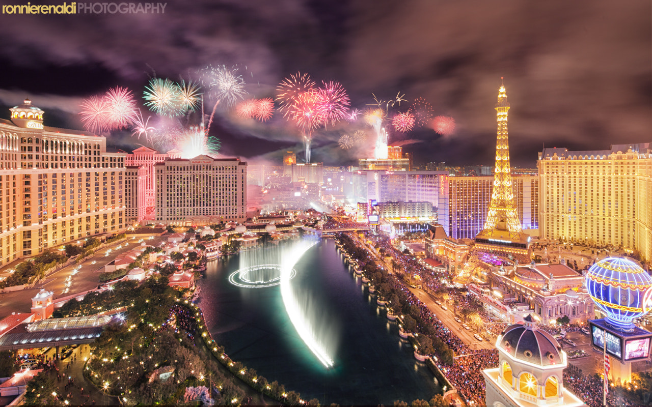 Photograph Vegas New Year's 2012 fireworks celebration  by Ronnie Renaldi on 500px