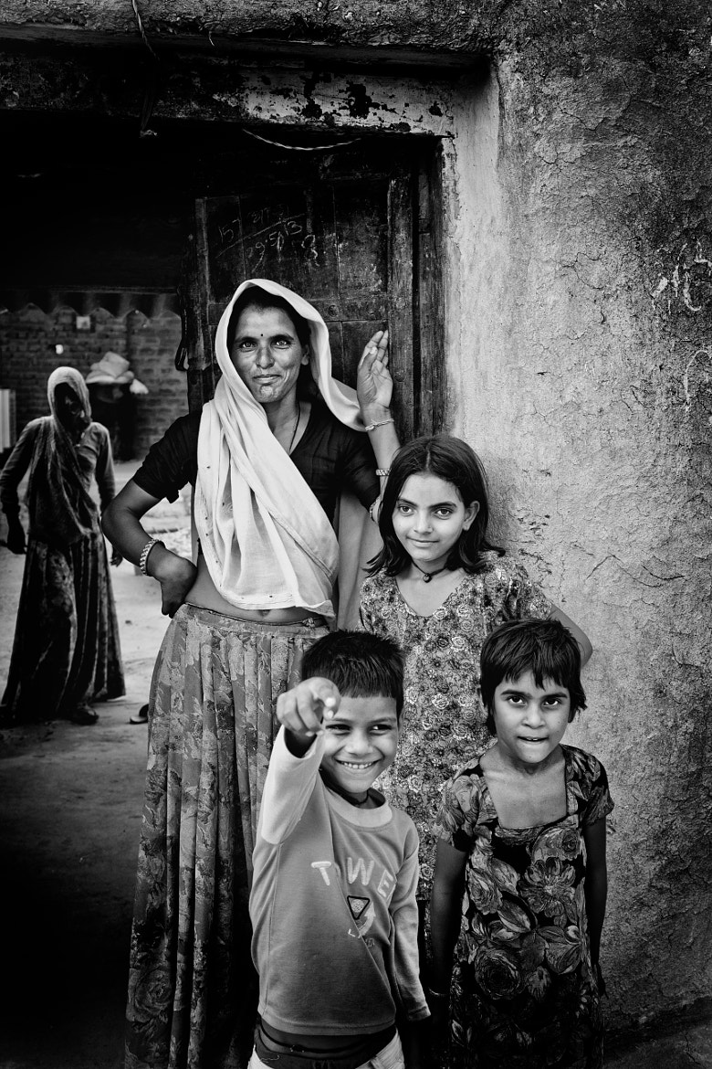 Photograph All smiles - an Indian family in Tordi Garh by Jaime Forson on 500px