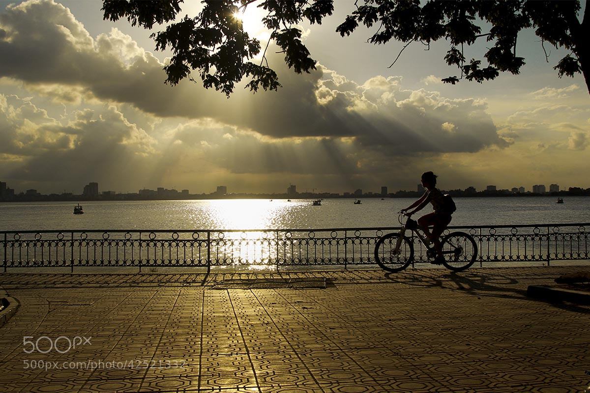 Photograph Sunset Ho Tay. by Tuan Nguyen Anh on 500px