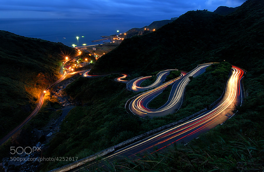 Photograph S curve by 皇旗 黃 on 500px