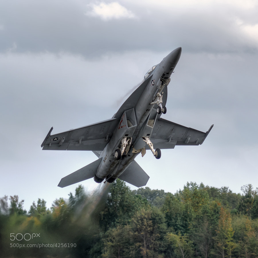 F/A-18F Super Hornet takes off at the Great Georgia Airshow