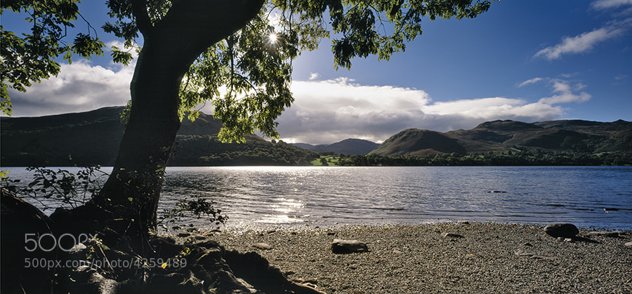LOOKING ACCROSS ULSWATER TOWARDS HALLIN FELL THE LAKE DISTRICT ENGLAND
