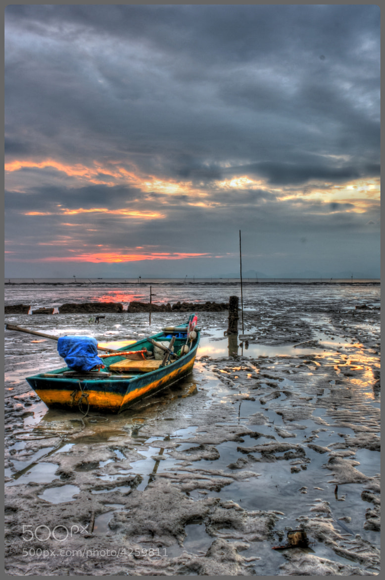 Photograph BOAT STRANDED IN THE MUD by Harith Hashim on 500px