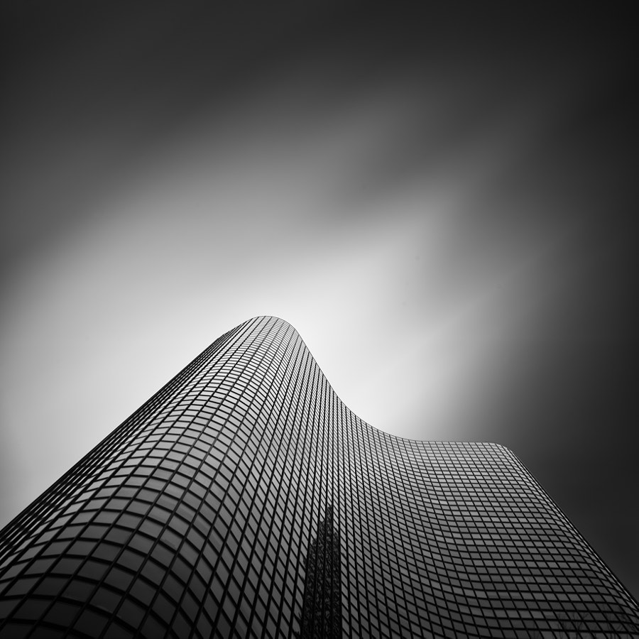 Photograph Lake Point Tower, Chicago by Hemal Mamtora on 500px