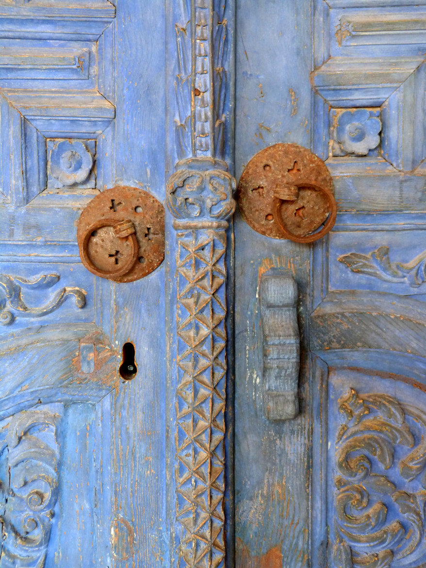 Photograph Blue door by Florence Guichard on 500px