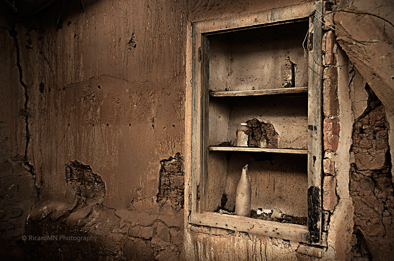 Photograph Abandoned kitchen cabinet by RicardMN Photography on 500px