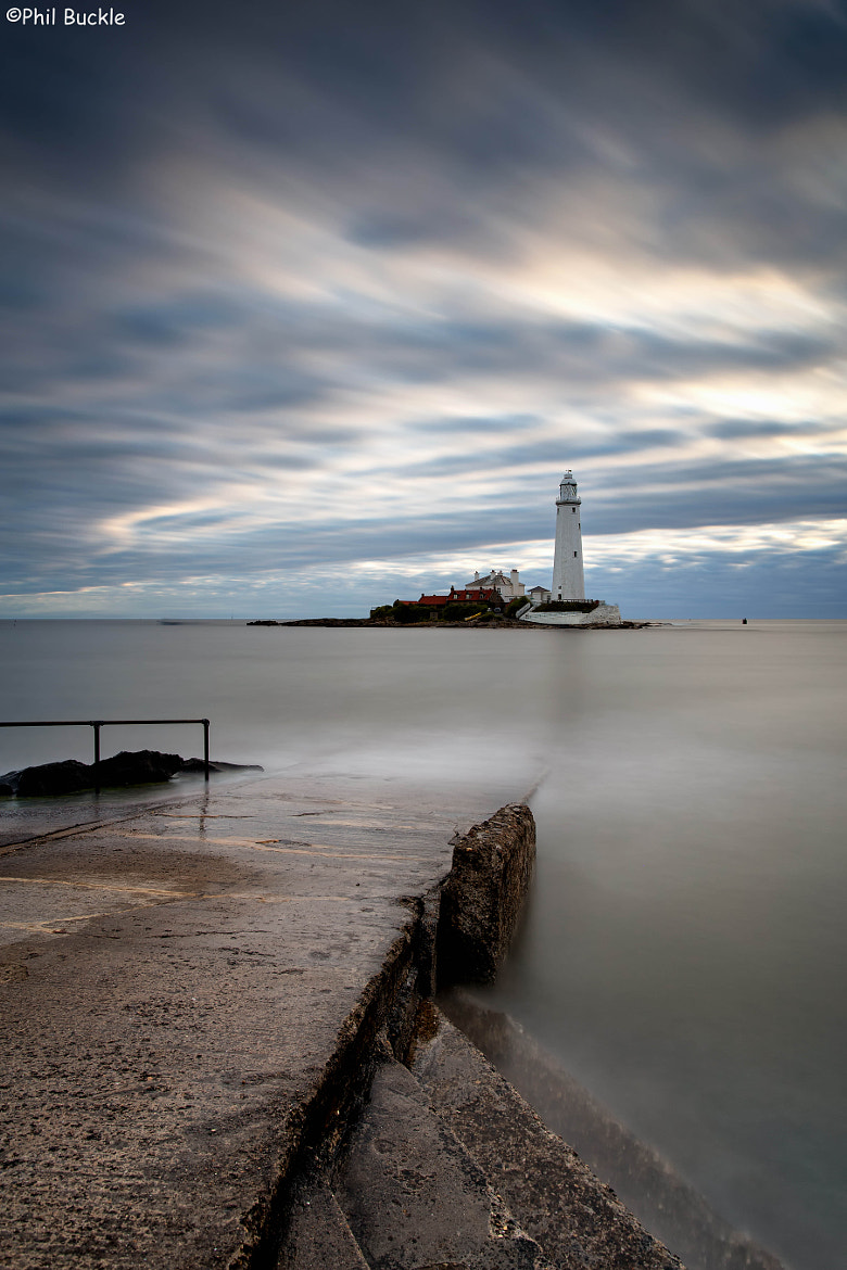 Photograph St Mary's Lighthouse by Phil Buckle on 500px