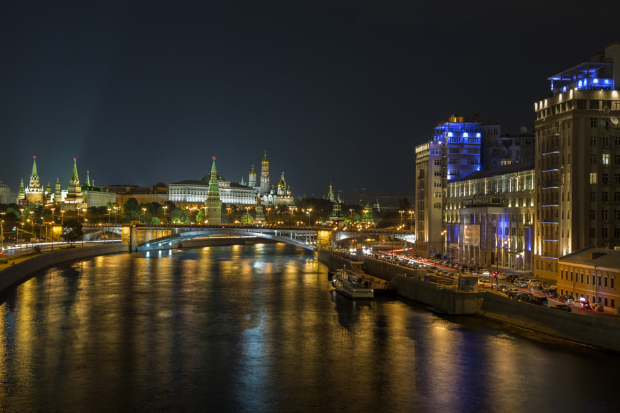 Photograph Moscow at night by Carlos Luque on 500px