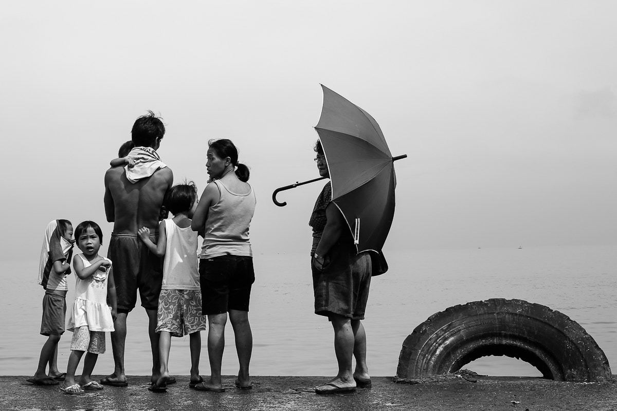 Photograph Family inspection by Eric Batalla on 500px
