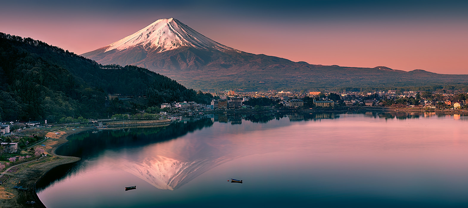 Photograph Kawaguchiko Panoramic View by Natasha Pnini on 500px