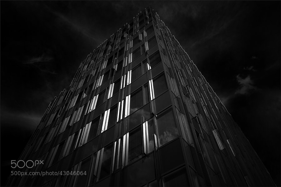 Photograph blacklight by Gilbert Claes on 500px