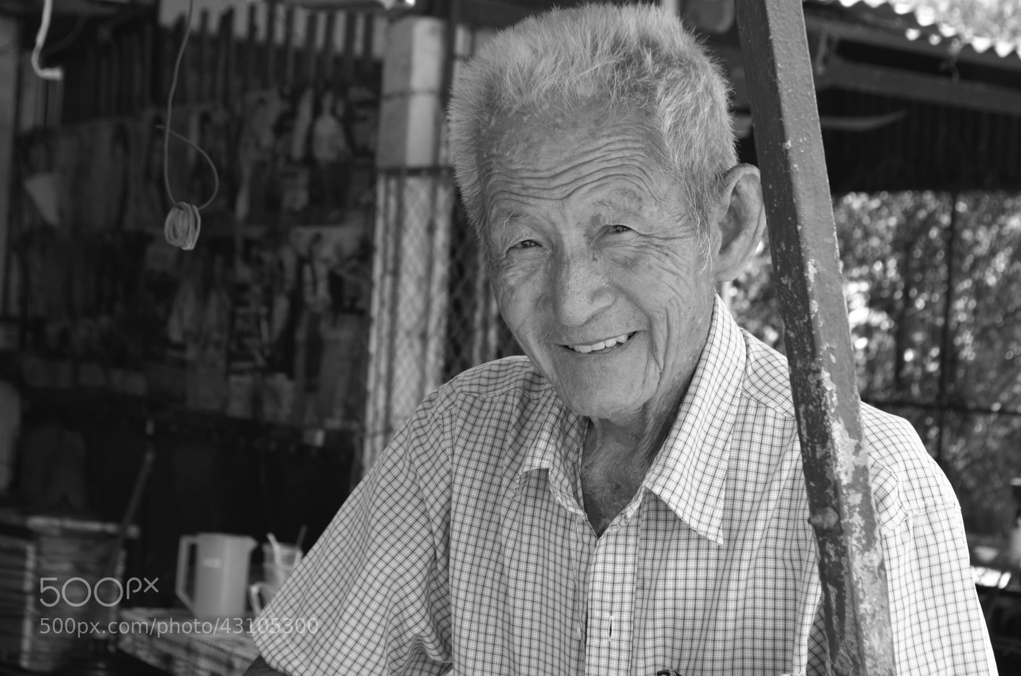 Photograph Oldman Goes Candid by Charlie HOANG on 500px