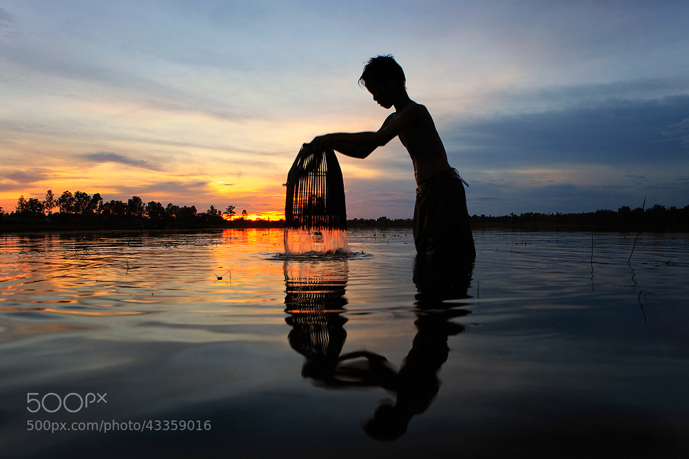 Photograph Fisher by Saravut Whanset on 500px