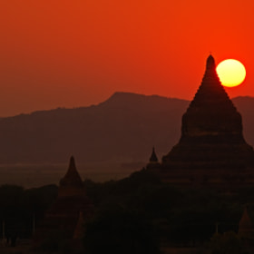 Sunset in Bagan by Csilla Zelko (csillogo11)) on 500px.com