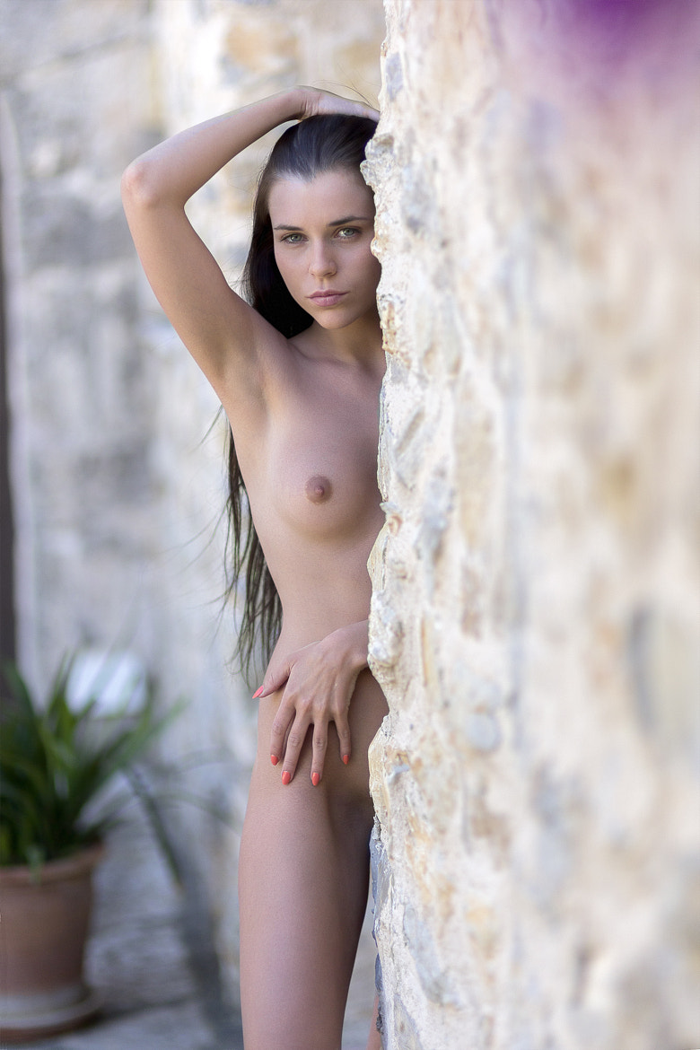 Photograph At the wall by Guenter Stoehr on 500px