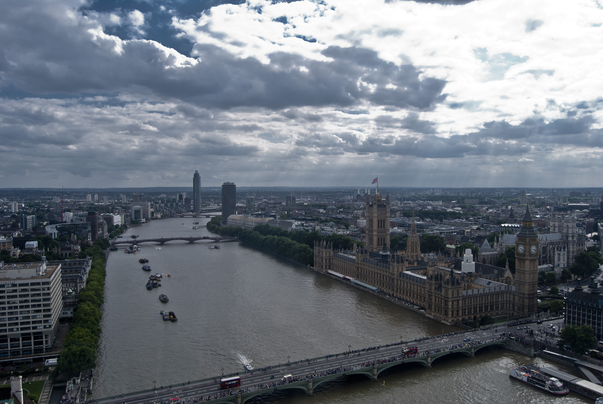 Photograph Thames by Javier R. R. on 500px
