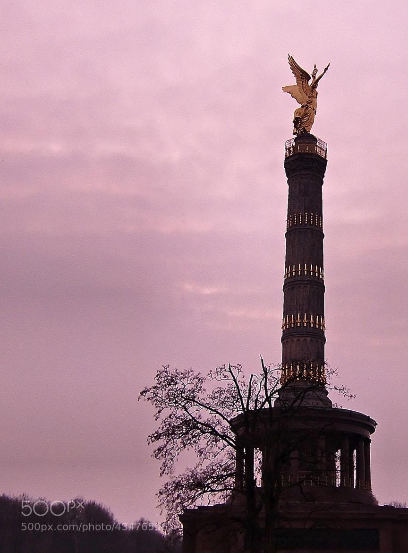 Photograph Berlin by Jose Maria Vidal Sanz on 500px