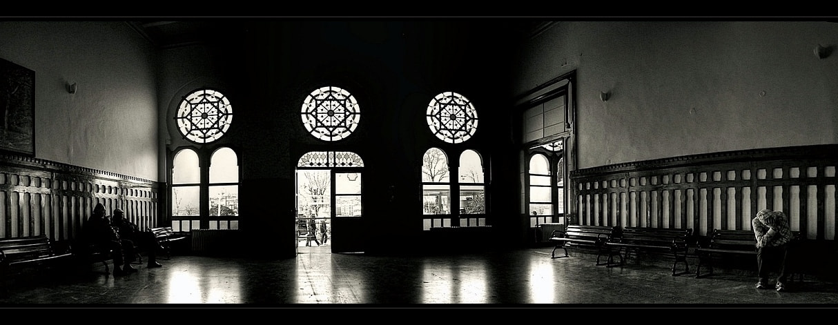 Photograph waiting room by Levent Yersal on 500px