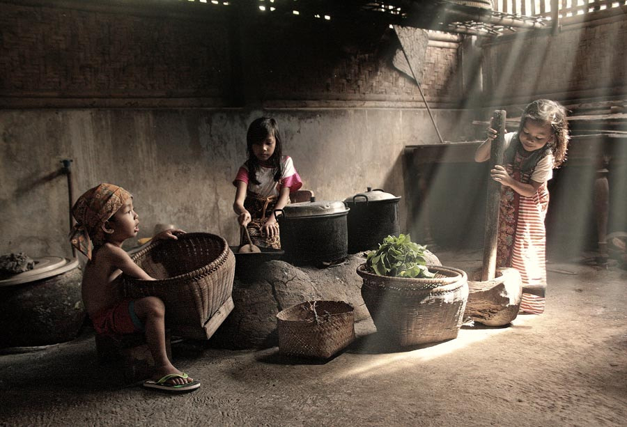Photograph cooking... by budi 'ccline' on 500px