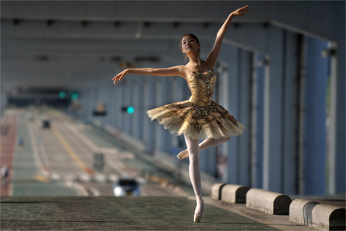 Photograph Ballerina of the city by JACOP 박은우 on 500px