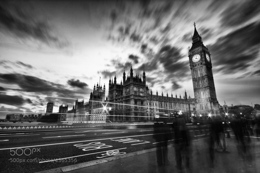 Photograph 10 Seconds of Parliament by Toby Hawkins on 500px