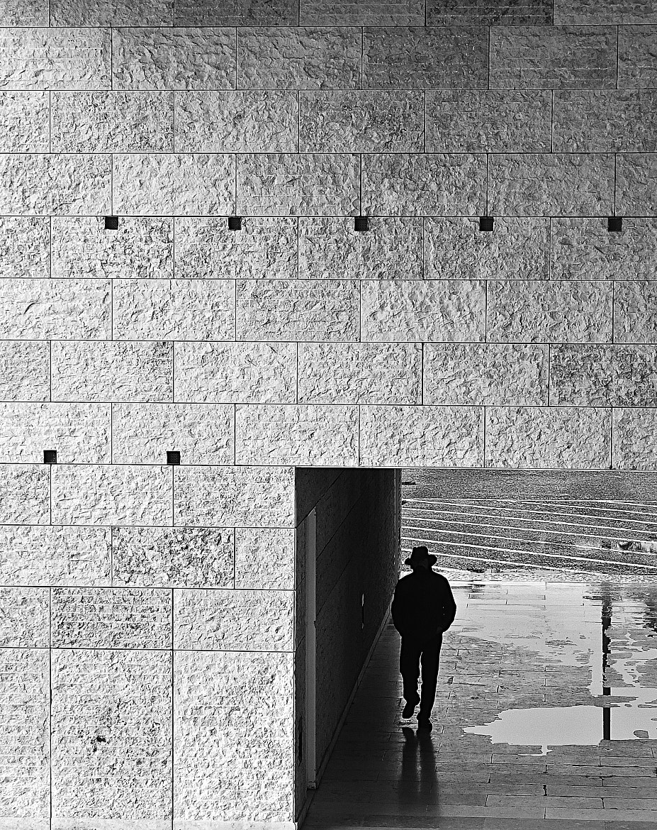 Photograph Man in a frame by Miguel Mascarenhas on 500px