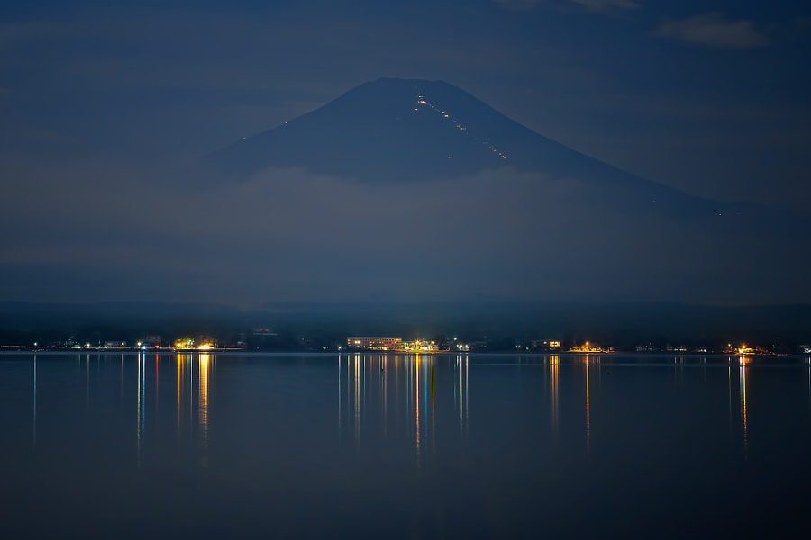 This is Mt.Fuji in late night. (taken at 1:33 AM)