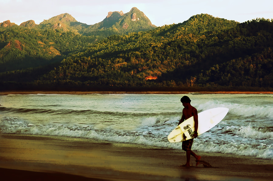 Photograph surfers by 3 Joko on 500px