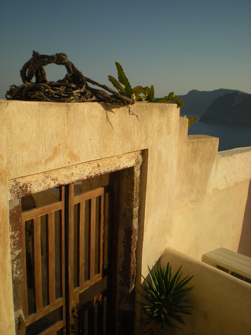 Photograph Front door in Oia by Esther  on 500px