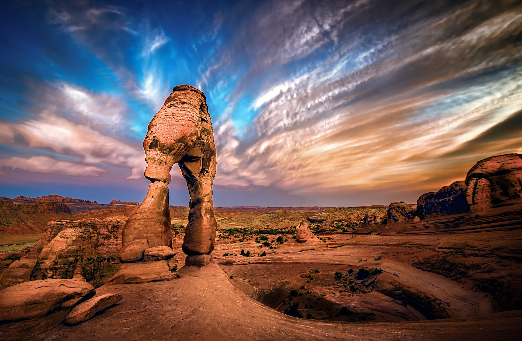 Photograph On the Precipice of a Sandstone Vortex by  Photo on 500px
