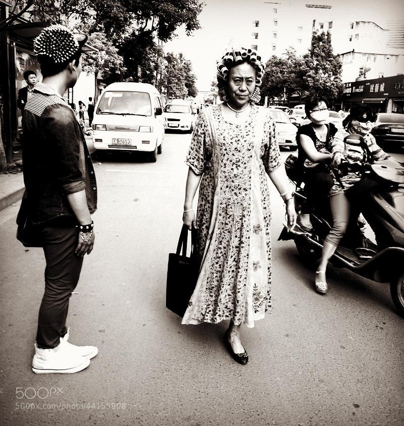 Photograph The women walking on the street by Zhu RenYan on 500px
