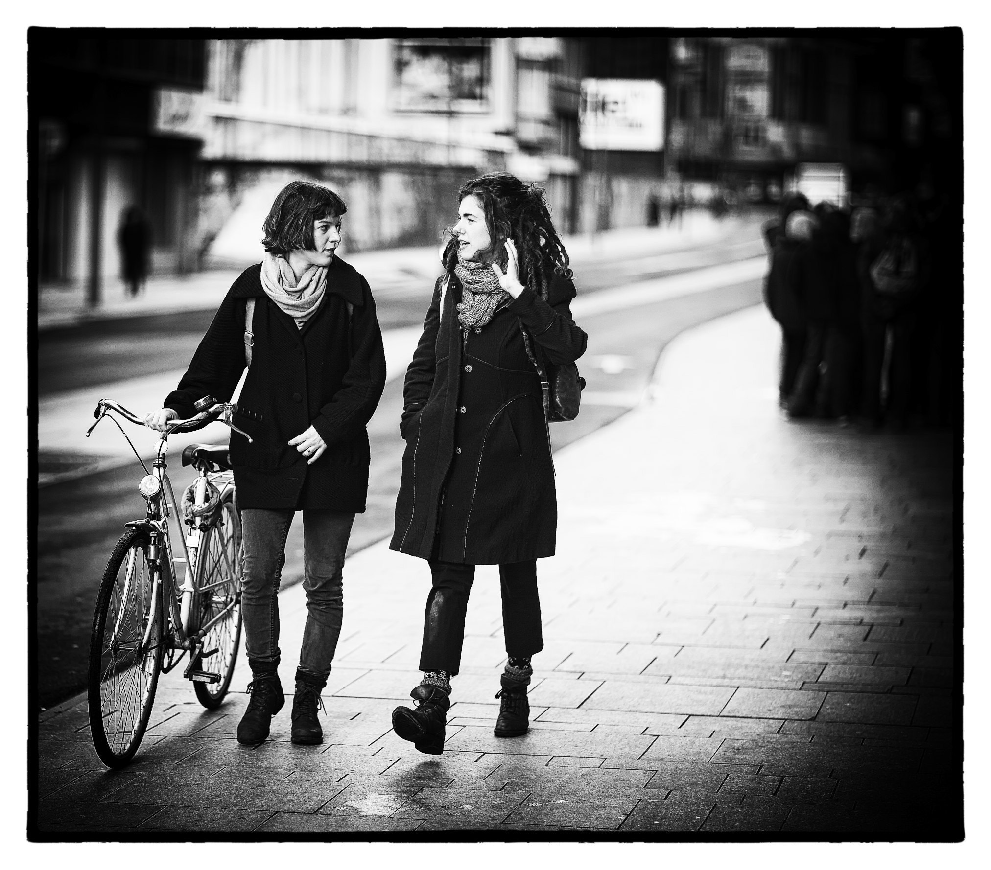 Photograph Girls' Talk by Fouquier  on 500px