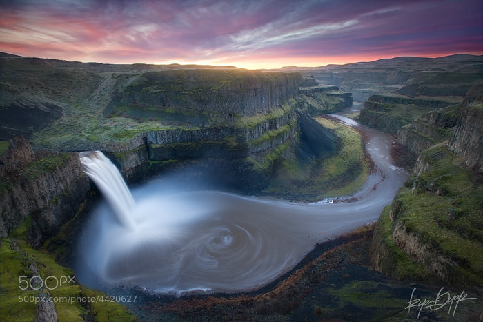 Photograph The Battle Between Light and Dark by Ryan  Dyar on 500px