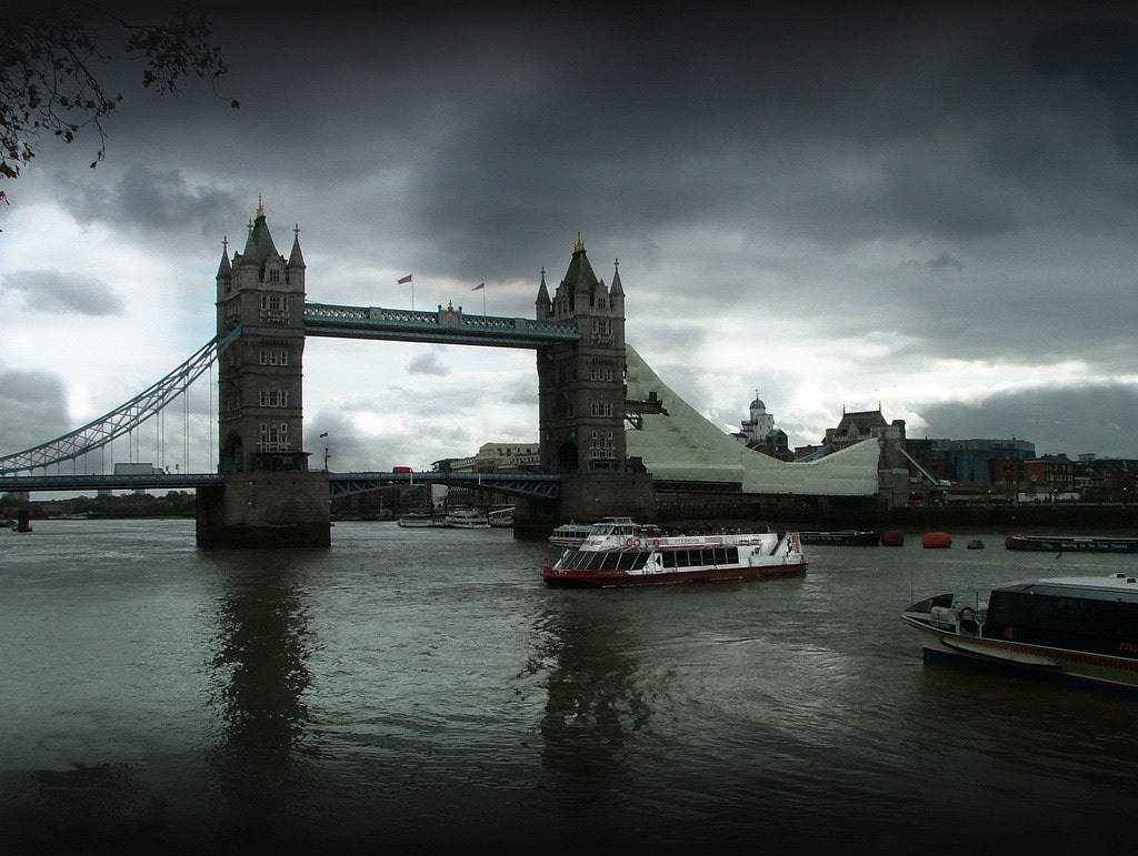 Photograph Tower Bridge by Link Bekka on 500px