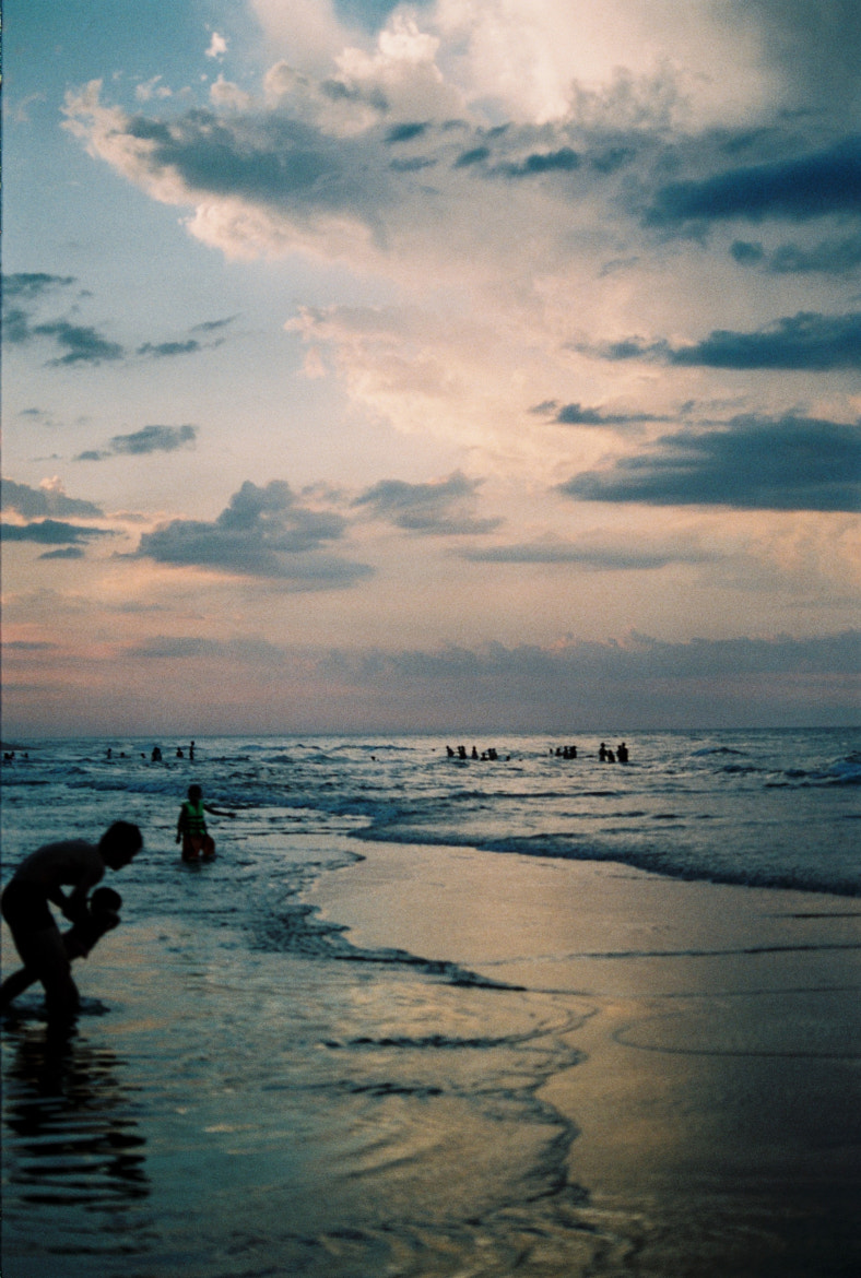 Photograph Sunset in the beach by Vân Finger on 500px