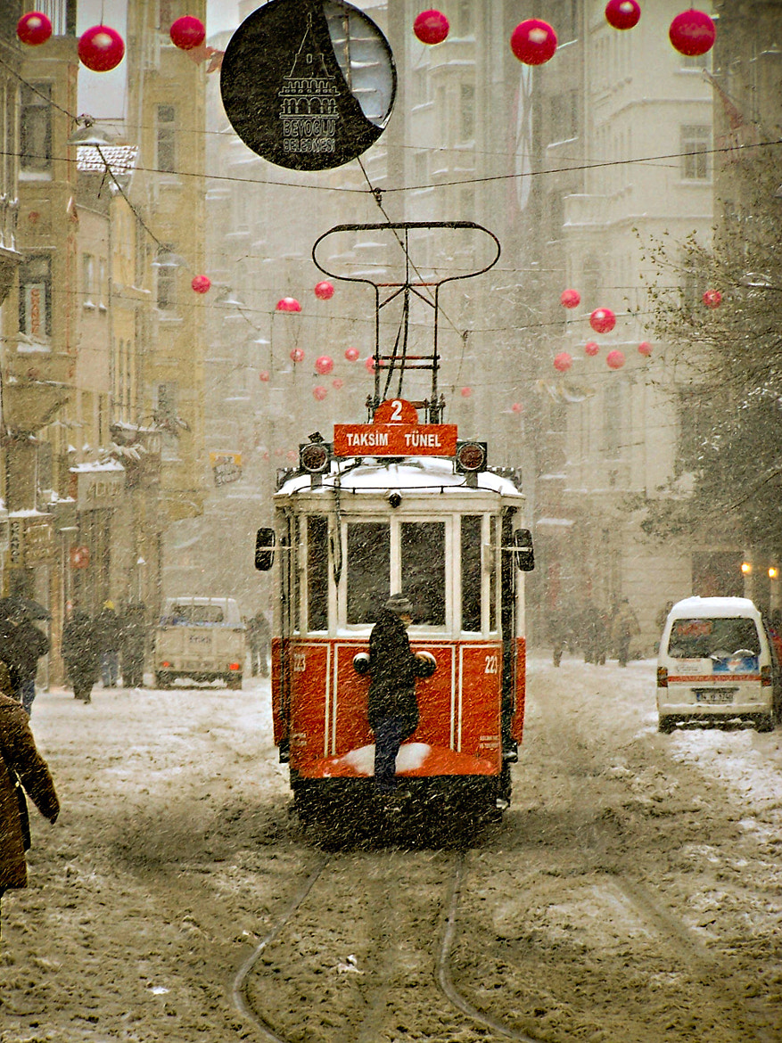 Photograph tramway @taksim by Ozer Kurt on 500px