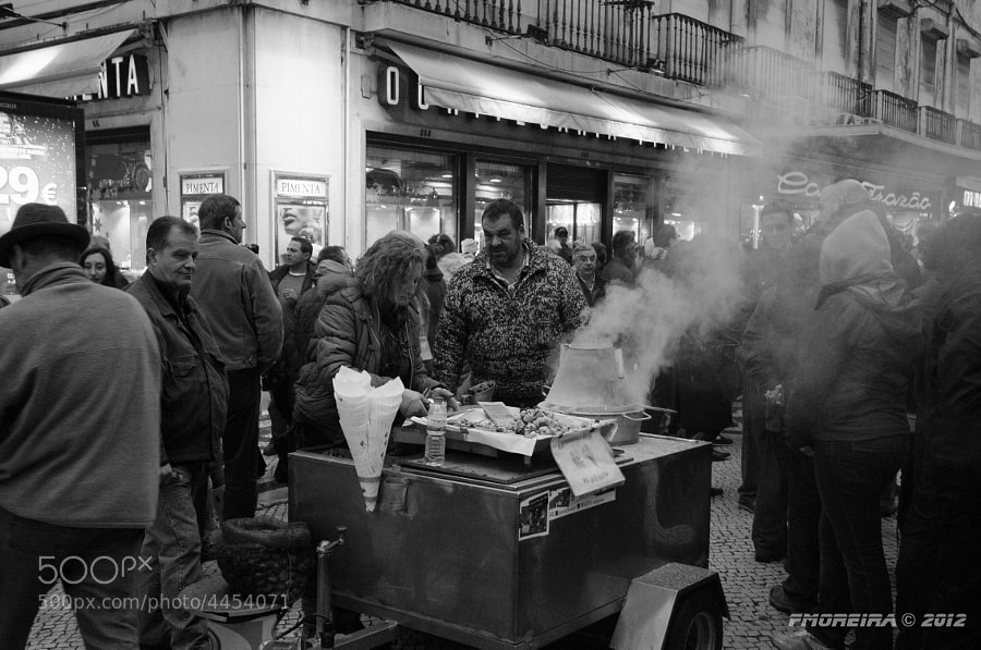 Photograph Quentes e boas...   (chestnuts...) by Fernando Moreira on 500px