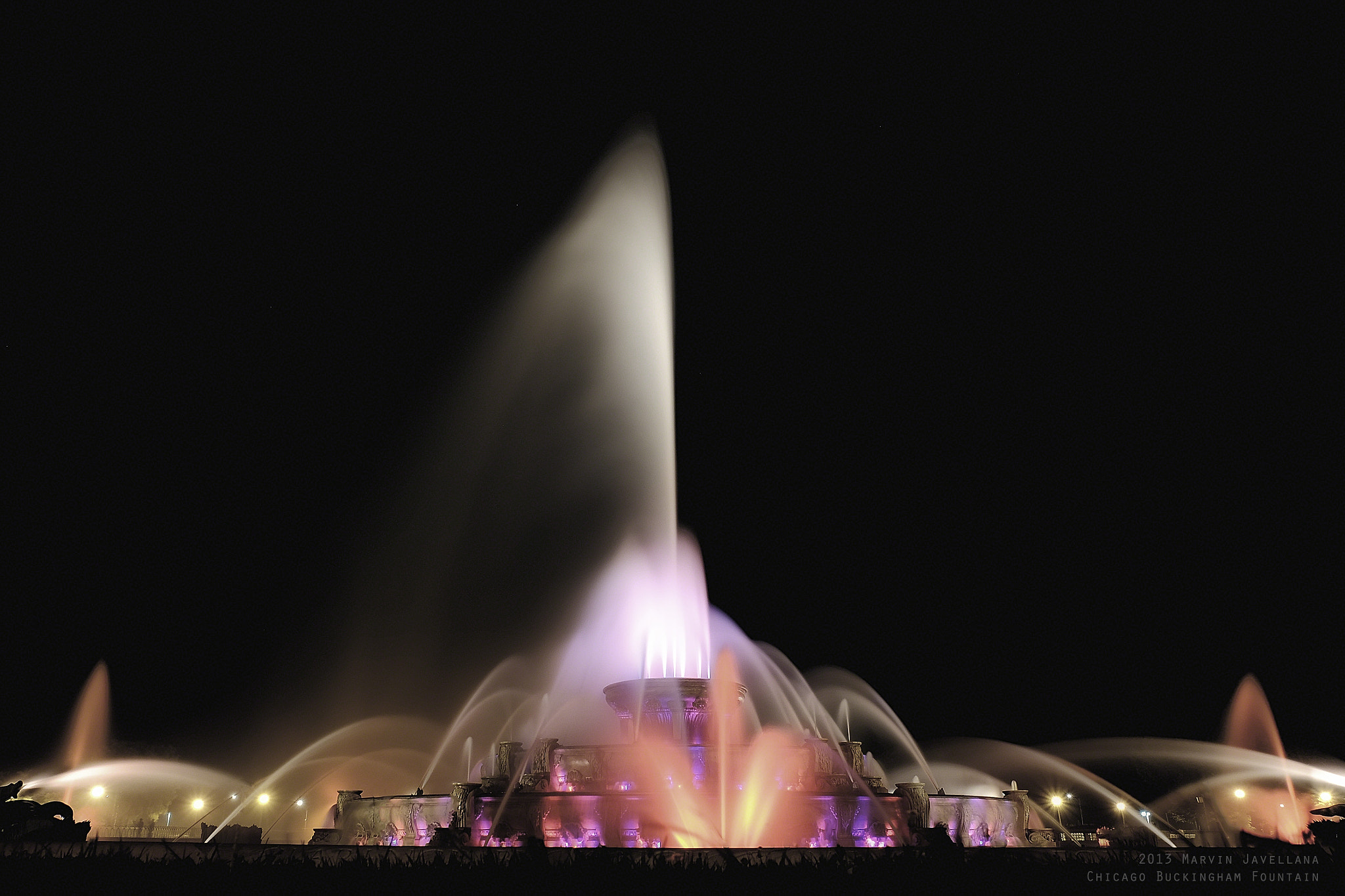 Photograph Chicago's Buckingham Fountain by Marvin Javellana on 500px