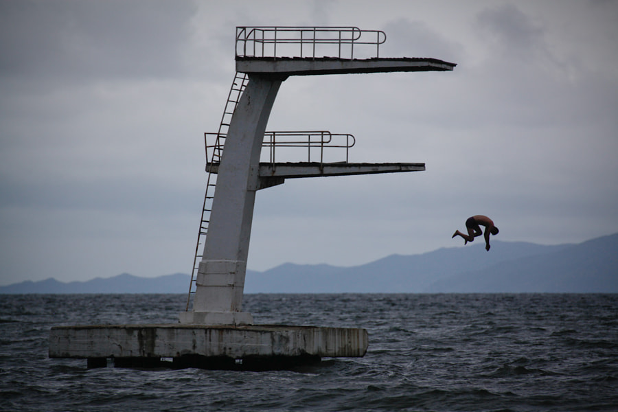 Falling dive by Kristen Elsby on 500px.com