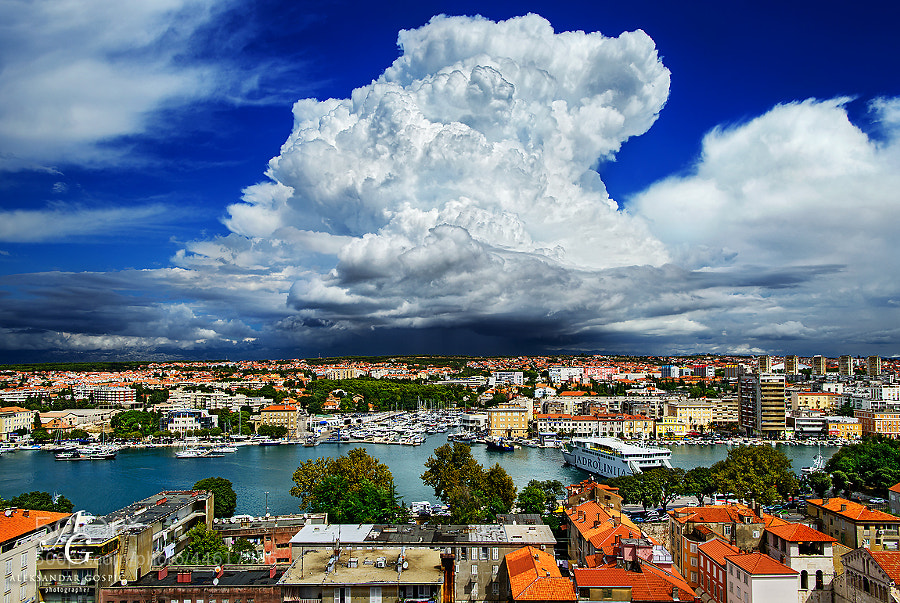 Large explosions at 'Velebit Mountain Mushroom Institute', observed from Zadar
