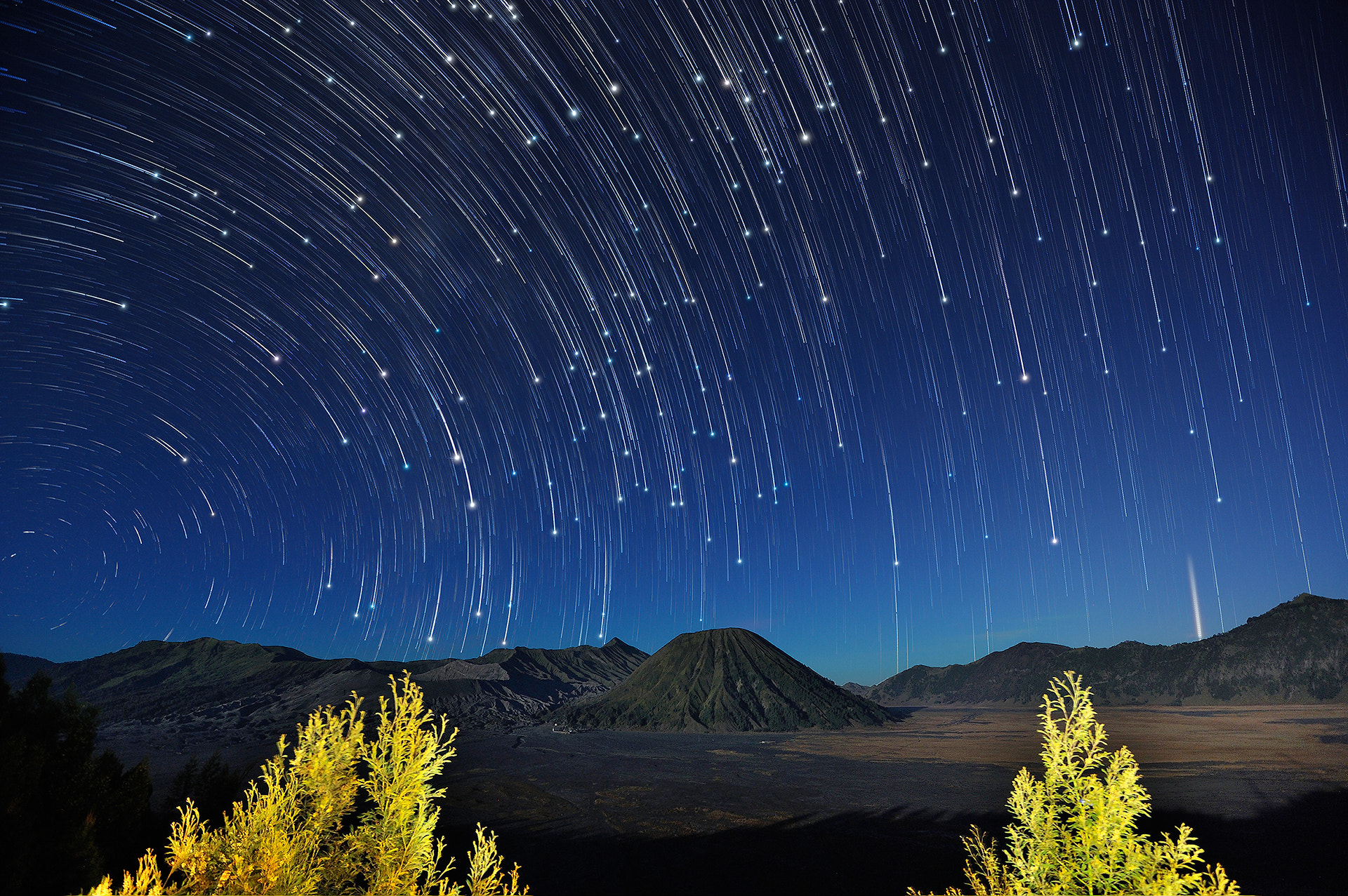 Photograph Bromo Startrails by Puchong Pannoi on 500px
